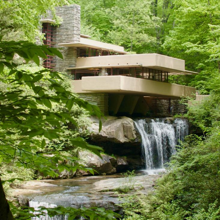 Frank Lloyd Wright S Fallingwater A Building That Bonds With Nature
